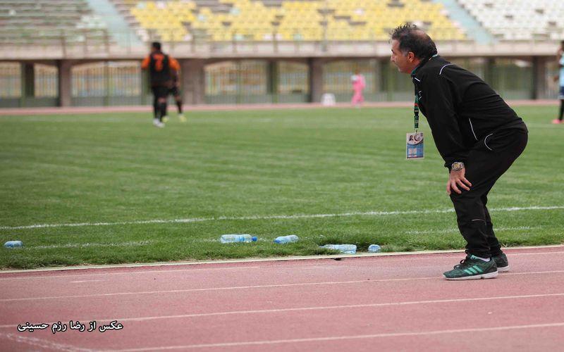 مربی مس کرمان: تمرکز تیم ما را پیش از بازی بهم زدند