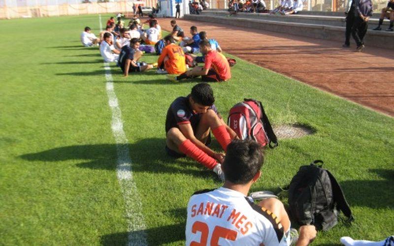 تداوم تمرینات بازیکنان منتخب تیمهای مس برای لیگ یک پیش رو