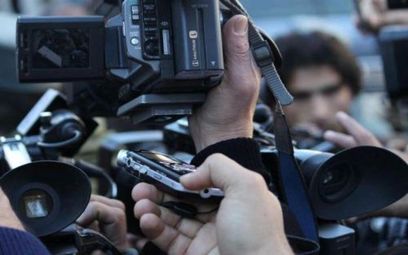 کارتهای خبرنگاران همچنان در جیب سازمان لیگ!