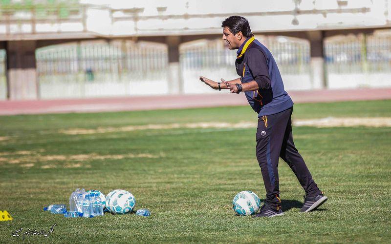 مربی تیم فوتبال مس: اصلا به جایگاه استقلال اهواز نگاه نمیکنیم