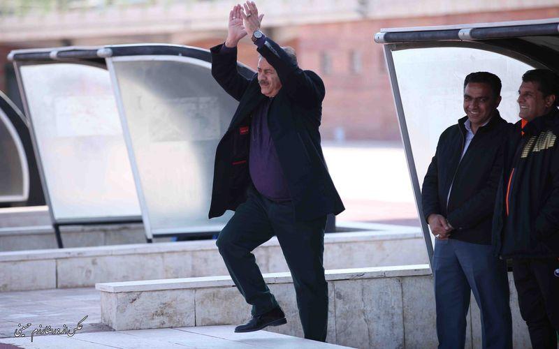 منصور ابراهیمزاده: به خاطر هواداران با تمام توان میجنگیم