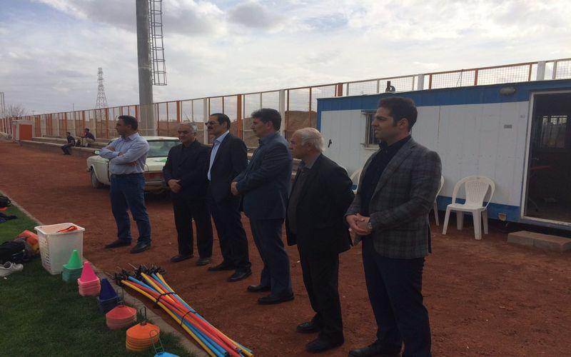 حضور اعضای هیات مدیره باشگاه مس در تمرینات تیم فوتبال مس