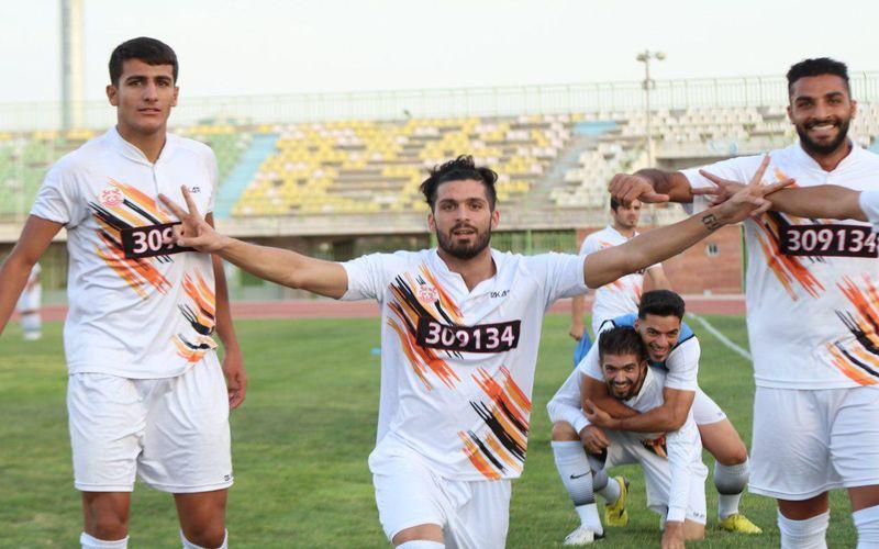 بازیکنان مس پرنشاط و با روحیه آماده فتح خونه به خونه(عکس)