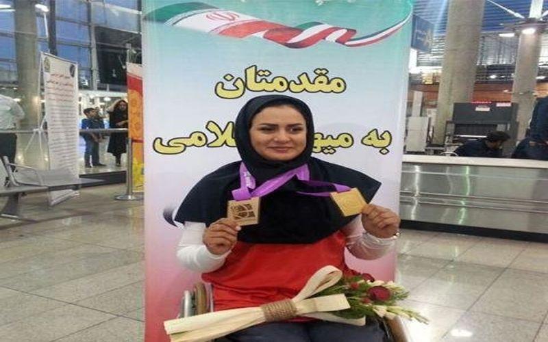 زهرا نعمتی مدال جهانی خود را به شهدای مدافع حرم و شهید حججی تقدیم کرد