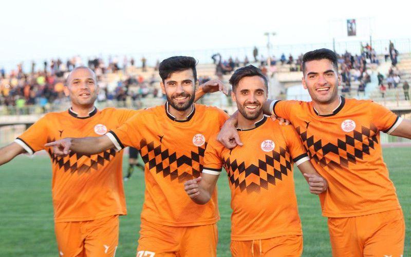 علیزاده: به خاطر احمد نخعی، کرمانیها باید هوای تیم را بیشتر داشته باشند