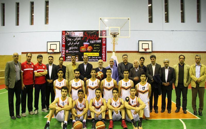 بازدید نماینده کرمان در مجلس و مقامات باشگاه مس از تمرین تیم بسکتبال