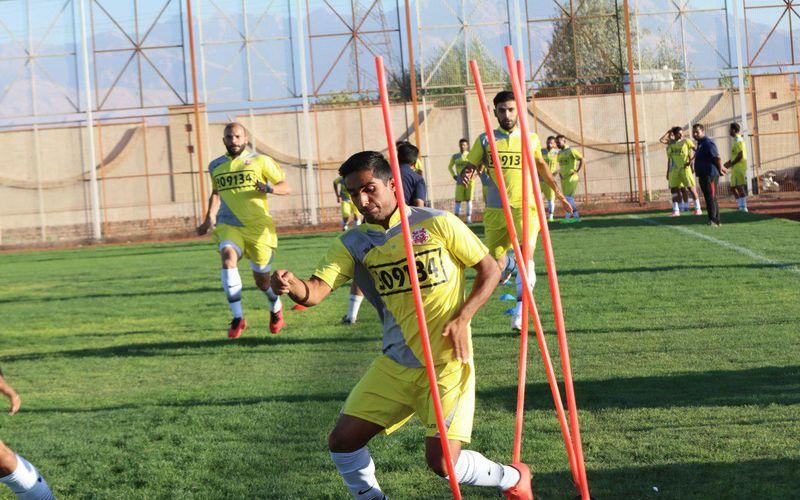 تداوم تمرینات تیم فوتبال مس در کرمان