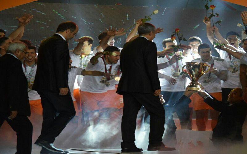 صحبتهای مدیر عامل شرکت مس پیرامون ورزش در حاشیه جشن قهرمانی فوتسال مس