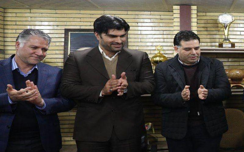 حضور مدیرکل ورزش و جونان کرمان برای بازی مس و شهرداری ماهشهر در ورزشگاه