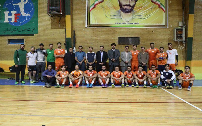 حضور مدیرعامل باشگاه مس کرمان در تمرینات تیم هندبال