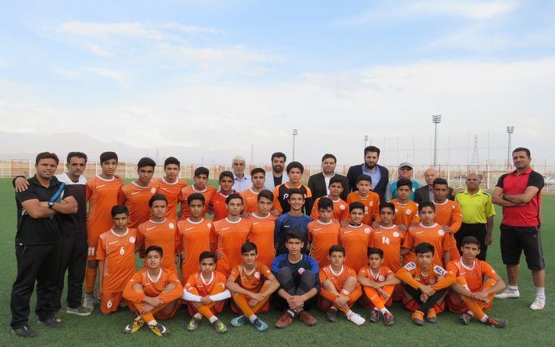 حضور مدیرعامل باشگاه مس در جمع بازیکنان تیم زیر 15 سال(گزارش تصویری)