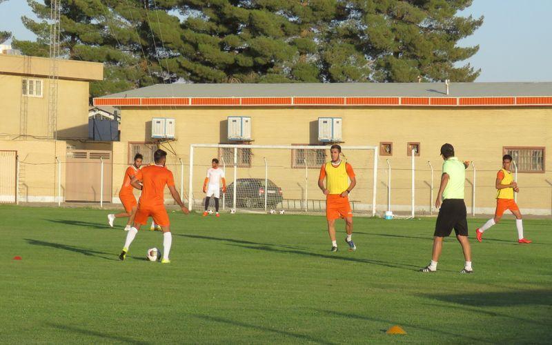 تمرین با نشاط مسیها در استادیوم شهرداری/احتمال برگزاری بازیهای مس در این ورزشگاه(عکس)