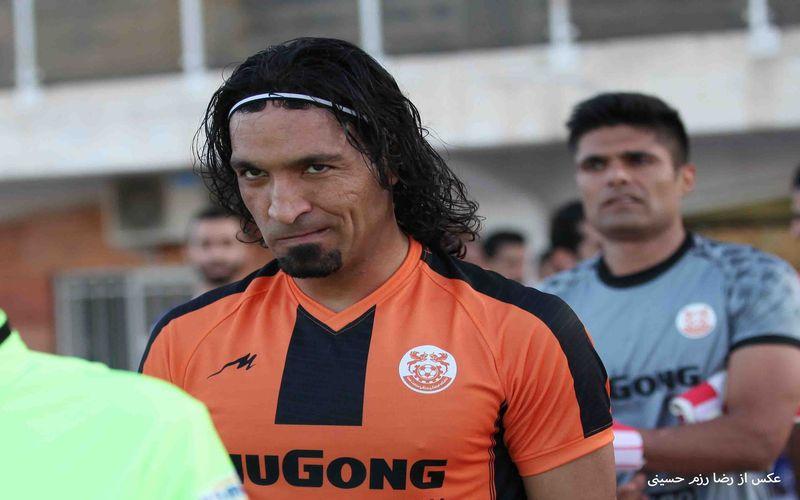 حسینخانی:برای لیگ برتری شدن کمبودی نداریم/هواداران در بازی با اکسین هم یار ما باشند
