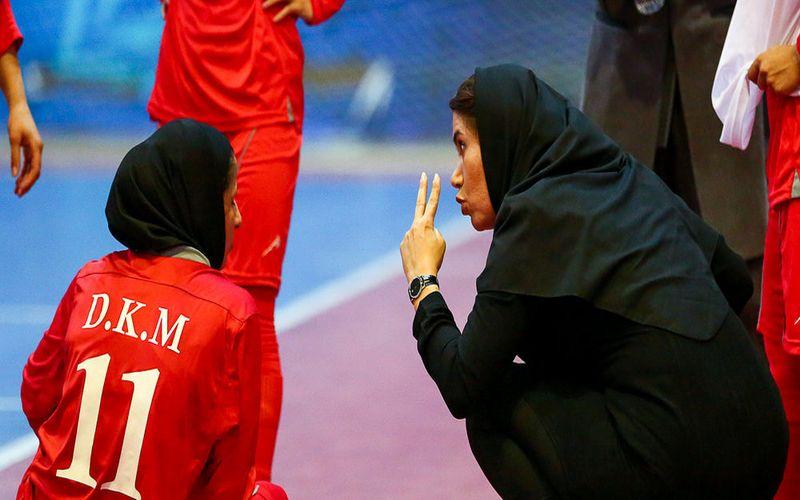 سرمربی تیم فوتسال دختران کویر مس:باشگاه مس حامی اصلی تیم ماست