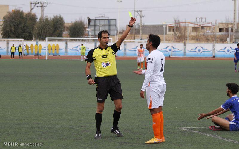 احمد محمدی داور بازی تیمهای اروند و مس