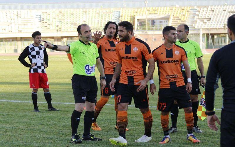 شکایت باشگاه مس کرمان از داور بازی با سرخپوشان