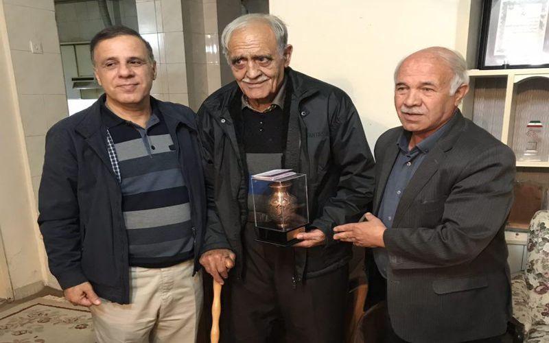 دیدار مدیرعامل باشگاه مس با استاد حسین کرامت پیشکسوت ورزش کرمان