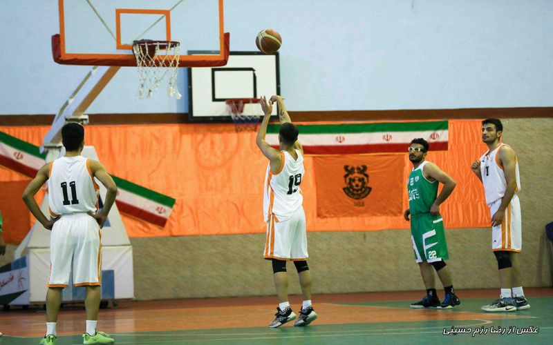 فینال اول بسکتبال، رده بندی فوتسال دختران، نبرد هندبال در اصفهان و بازی ماقبل آخر جوانان