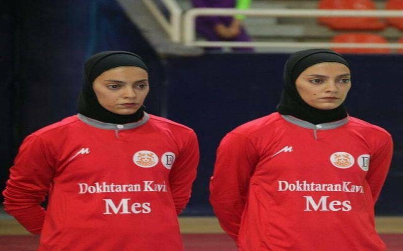 دو قلوهای کریمی و فاطمه ارژنگی از تیم دختران کویر مس در تیم ملی فوتسال
