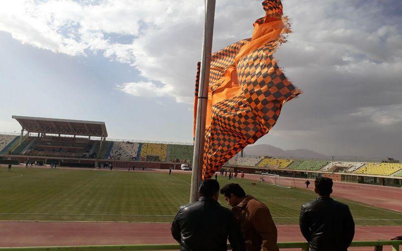 هواداران مس ظهر امروز در کنار تیم/دست به دست هم برای پیروزی