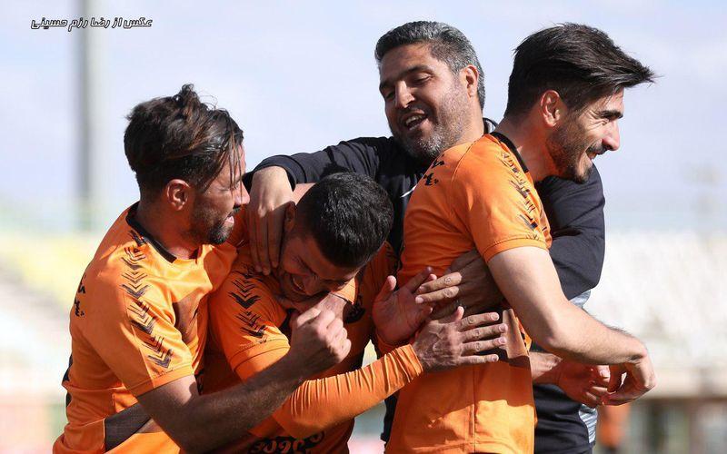 حسینخانی:با آرامش و تمرکز سه امتیاز بازی با اروند را با کسب کردیم