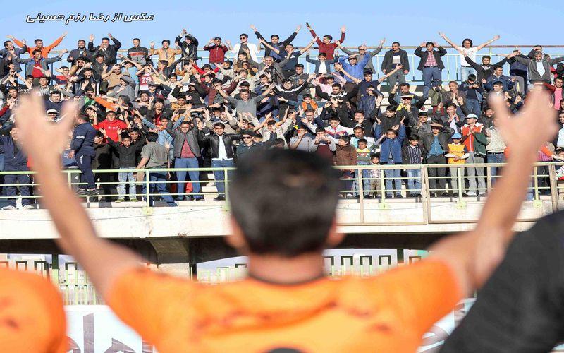 هواداران امروز از دست مس کرمان عیدی می خواهند