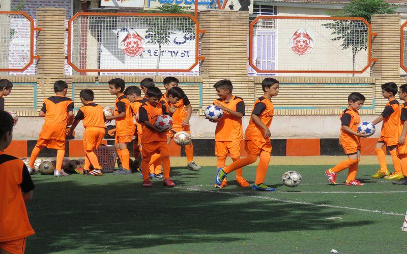 شور و نشاط در مدرسه فوتبال باشگاه مس(عکس)