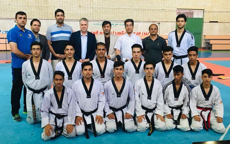 حضور مدیرعامل باشگاه مس کرمان در کنار تکواندوکاران این باشگاه