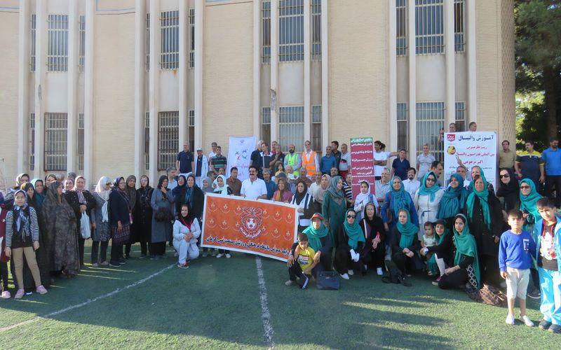 انجام ورزش همگانی و خانوادگی در باشگاه صنعت مس کرمان(عکس)