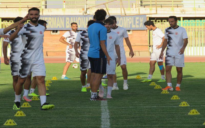 آخرین تمرین تیم مس پیش از بازی با ملوان/آماده برای نبرد خانگی(عکس)