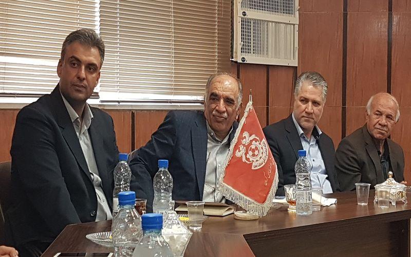 حضور رئیس هیات مدیره در باشگاه مس کرمان و تاکید بر روند صعودی تیم ها(عکس)