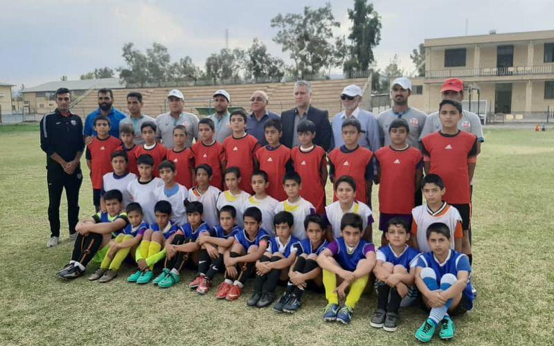 ادامه طرح استعدادیابی فرهنگستان فوتبال باشگاه مس در شهر راور(گزارش تصویری)