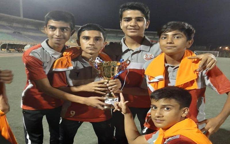 تکرار قهرمانی در فوتبال استان توسط تیم زیر 15 ساله های مس(عکس)
