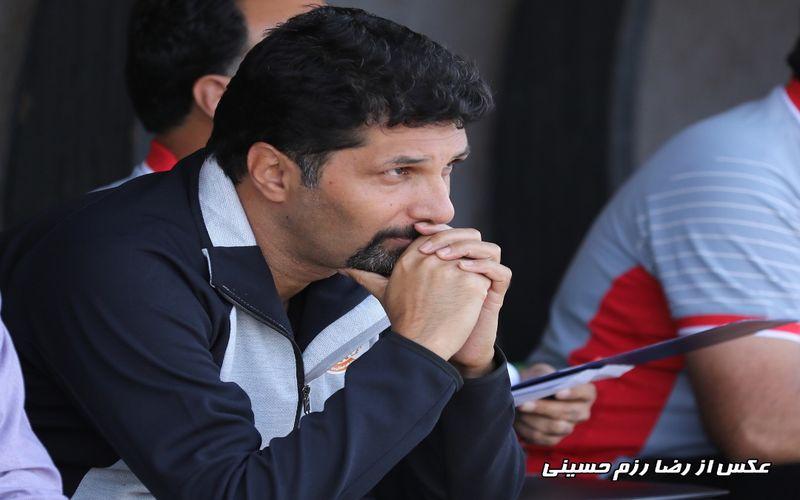 حسینی: داور به جای اعلام پنالتی بازیکن تیم ما را اخراج کرد