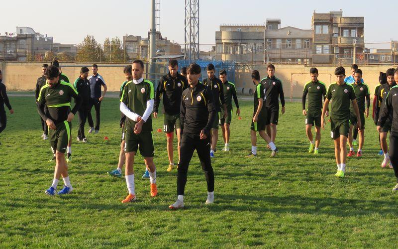 تمرین با نشاط مسی ها روز قبل از بازی با نود ارومیه(عکس)