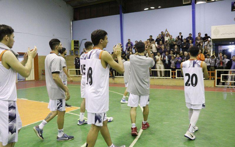 بازی غیورانه بسکتبالیست های مس برابر پتروشیمی و امید بیشتر به هفته های آتی(عکس)