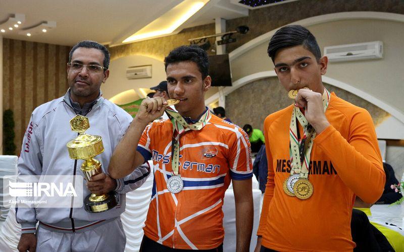 جام طلایی بر رکاب جوانان دوچرخه سوار مس در مسابقات قهرمانی کشور(عکس)