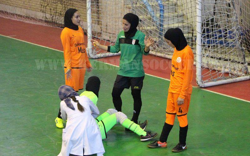 مصدومیت نجمه کریمی و رهایی از مصدومیت زینب انجم شعاع در تیم فوتسال دختران مس