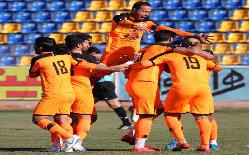 مس کرمان1-0قشقایی شیراز/شروع مس در نیم فصل دوم با پیروزی