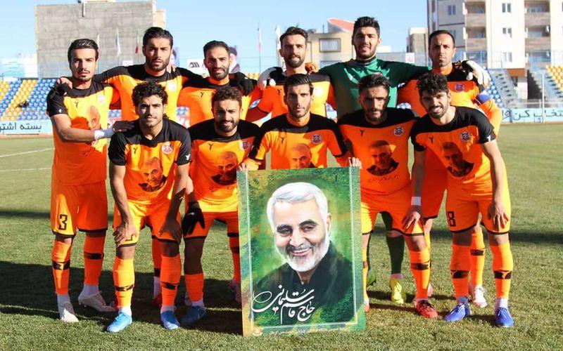حاشیه های بازی مس و قشقایی/پیروزی سربازان نارنجی تقدیم به روح بزرگ حاج قاسم سلیمانی(عکس)