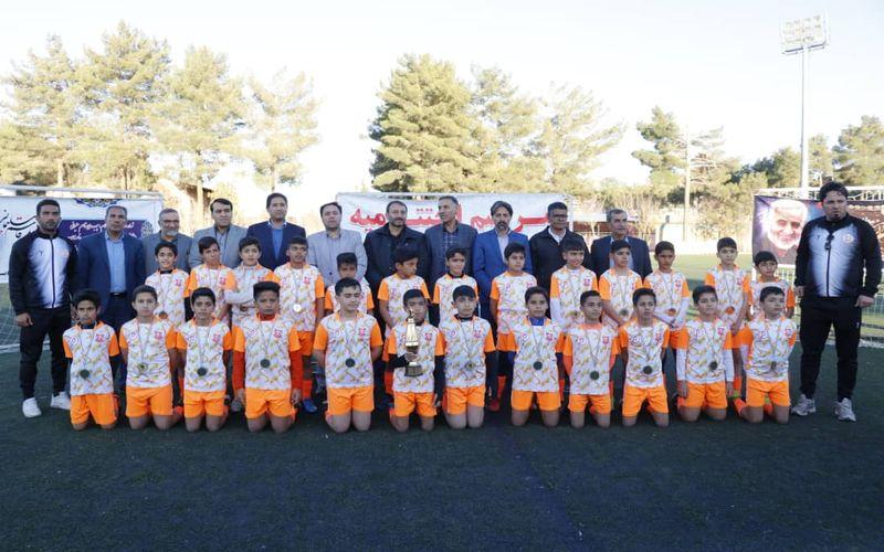 دو عنوان قهرمانی و نایب قهرمانی برای تیم های آکادمی باشگاه مس در کرمان(عکس)