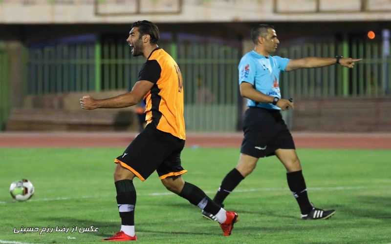 محمد حسین ترابیان داور بازی تراکتور و مس در جام حذفی