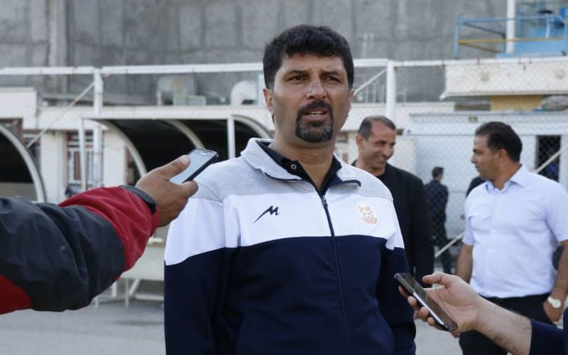 مجتبی حسینی: انجام بازی برروی این چمن ظلم به فوتبال است