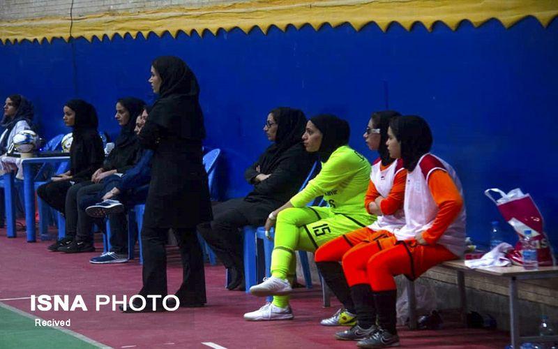 سرمربی تیم فوتسال دختران مس کرمان: روی تیم ملی فوتسال زنان دیگر نمیتوان حساب کرد