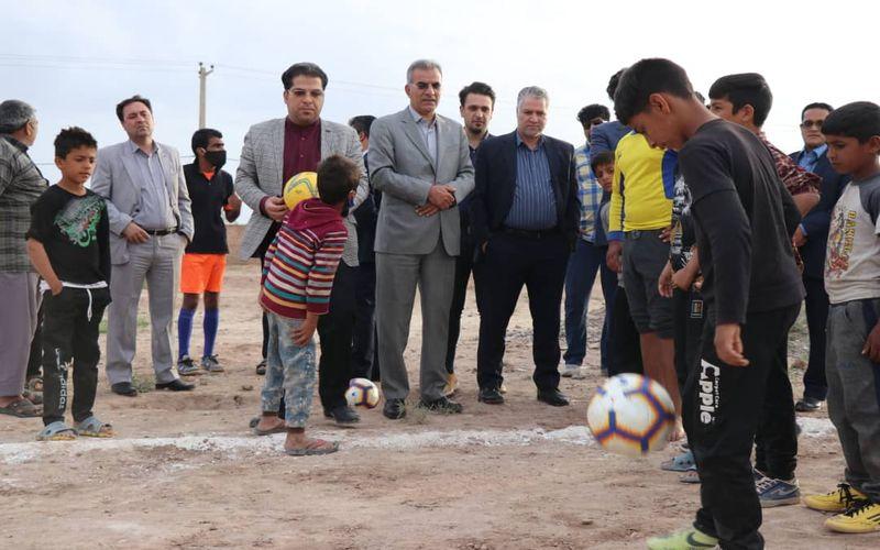 وقتی شور فوتبال به محله تورطناب کرمان می رود(عکس)