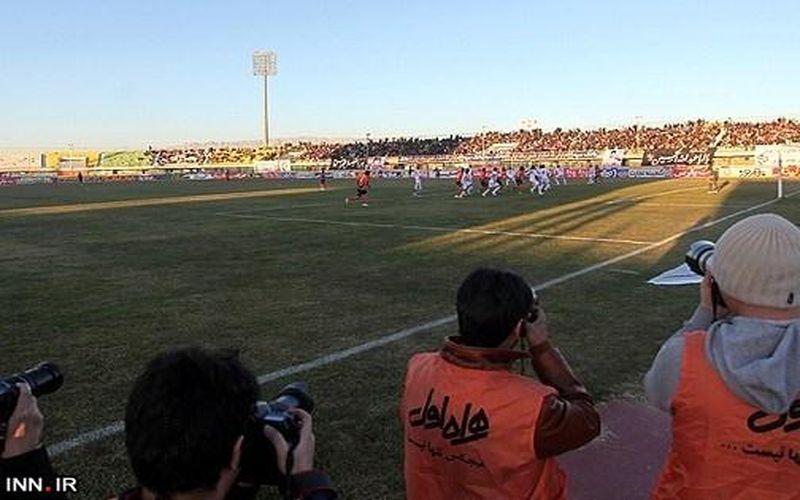 نحوه حضور خبرنگاران برای پوشش مسابقات فوتبال طبق پروتکل مبارزه با کرونا
