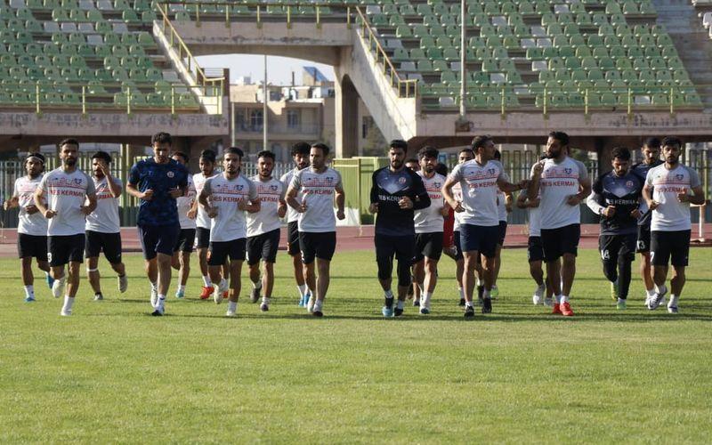 تیم فوتبال مس کرمان برای انجام چند بازی دوستانه به تهران می رود
