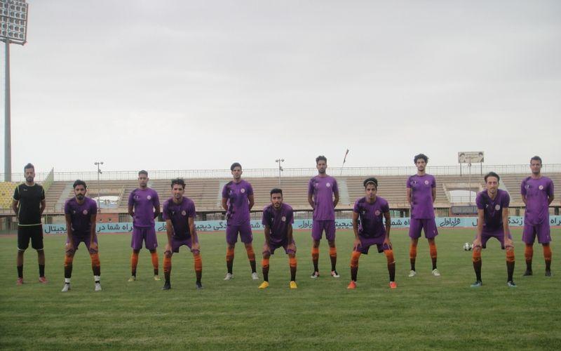 تیم فوتبال مس نوین که خود را برای شروع مجدد بازی های لیگ دو آماده می کند عصر دیروز بازی دوستانه دیگری انجام داد و به پیروزی پر گل رسید.