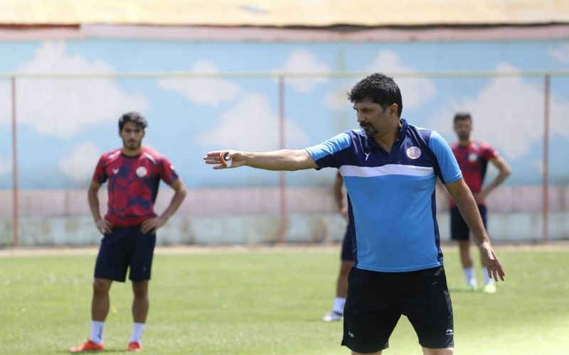 حسینی:  باید صعود را در دو بازی  بعدی قطعی کنیم