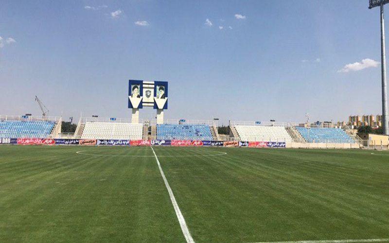 نور ورزشگاه شهرداری تبریز توان میزبانی از مسابقه را نداشت